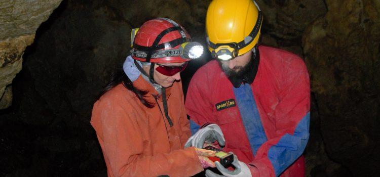 Mapeando cuevas sin papel – equipo donado por Idea Wild