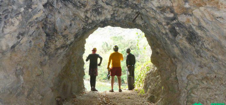 Túneles artificiales cerca del río Terraba
